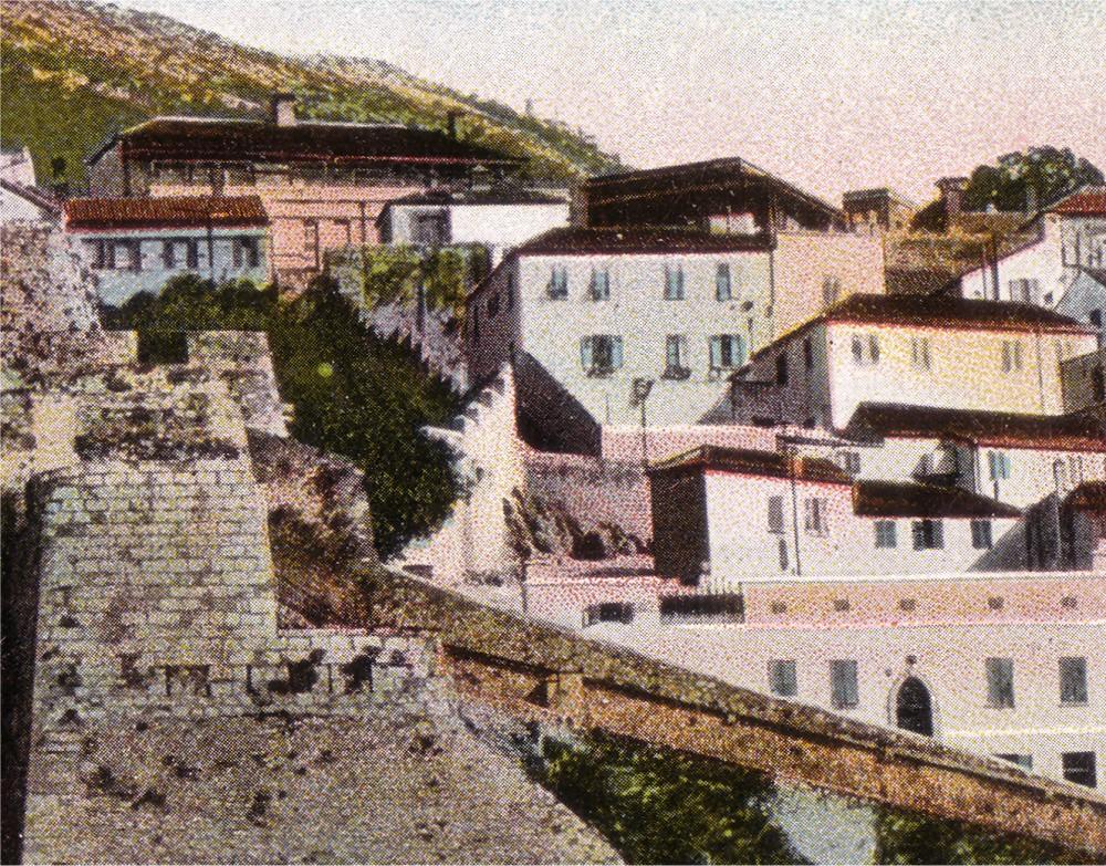 Gibraltar 3 -2